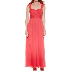 Scarlett Strawberry Red Lace Gown Sz 8 NWT